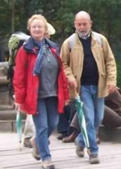 Marité et Jean-Pierre du même pas pour la traversée du Paris-Jacquaire en 2006.